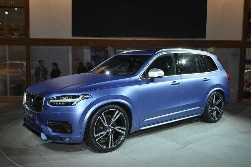 2015-536363-volvo-xc90-r-design-at-2015-naias