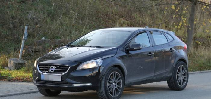 2017 Volvo XC40 замечен на тестах