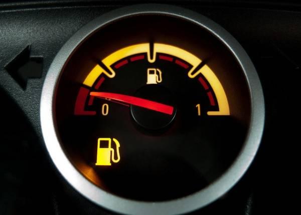 Индикатор топлива не всегда показывает верную информацию