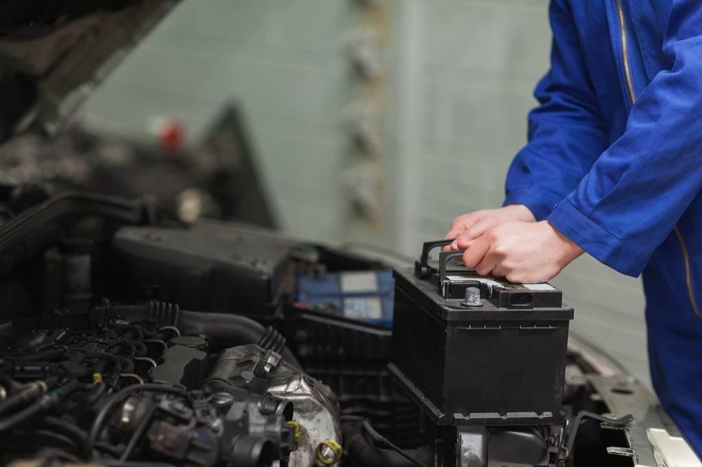 При выборе аккумулятора в отдельных случаях можно воспользоваться помощью специалистов