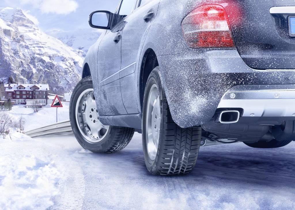 Иногда помыть машину зимой просто необходимо. Как лучше это сделать - читайте далее