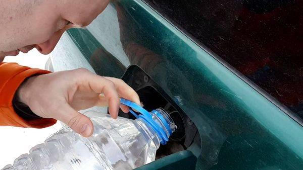 Что делать если вместо бензина залил воду в машину