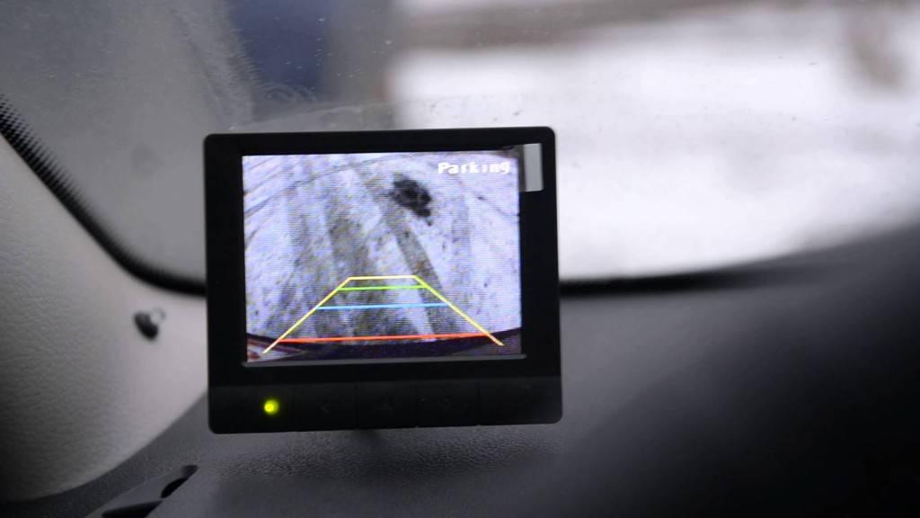 Камера заднего вида предлагает покупателям всё больше функций