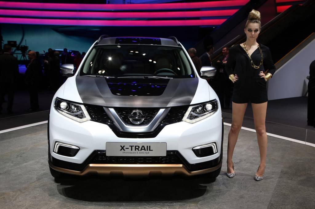 2016-Geneva-Motor-Show-girls-4