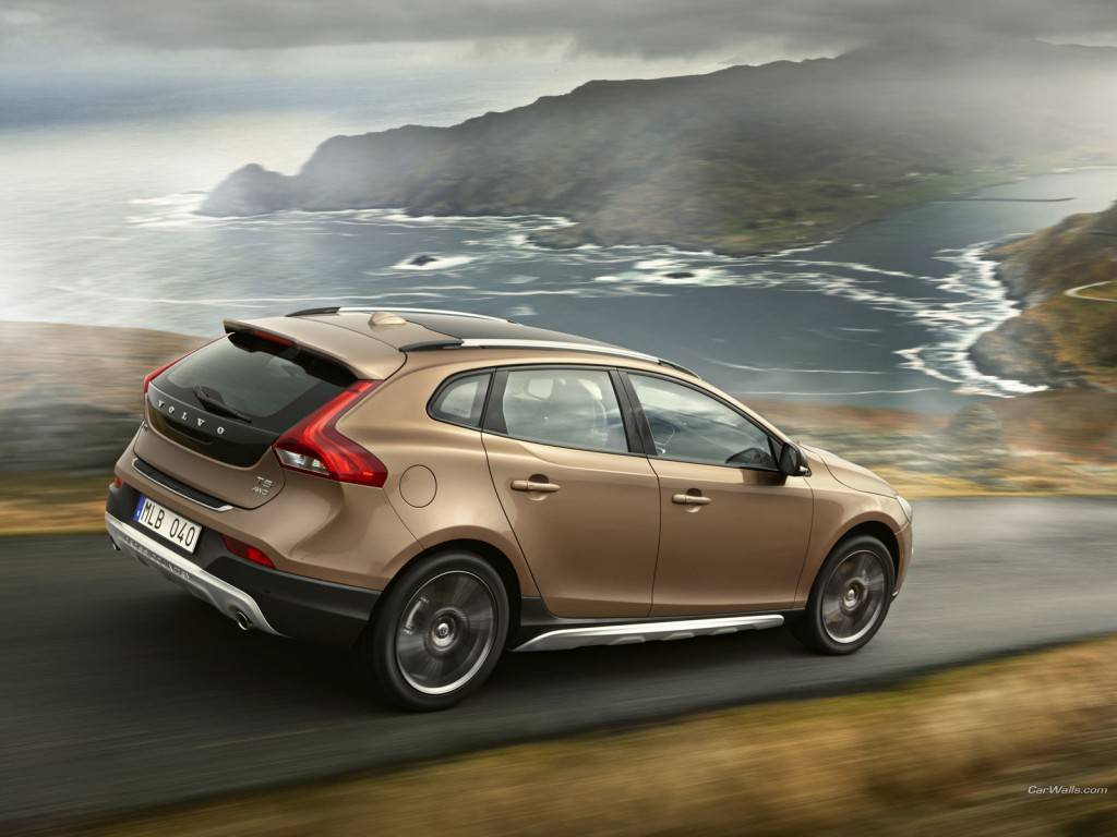 Volvo_V40-crosscountry_482_1600x1200
