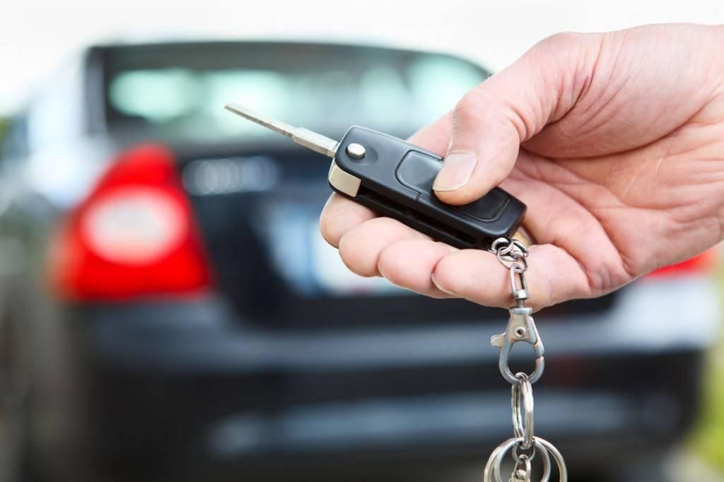 Сигнализация с обратной связью, или по-другому двухканальная сигнализация представляет собой комплекс технических элементов, предназначенных для предотвращения угона автомобиля или неправомерных действий с целью проникновения, порчи или грабежа.