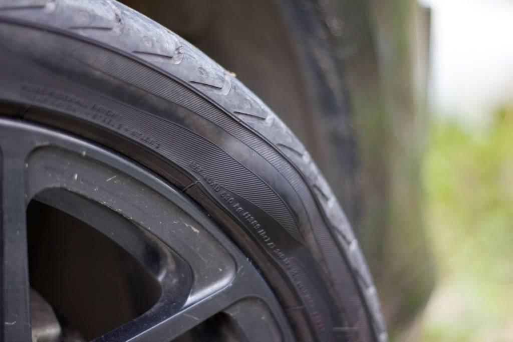 Даже б/у колесо без грыжи безопаснее в эксплуатации, чем колесо с небольшой грыжей