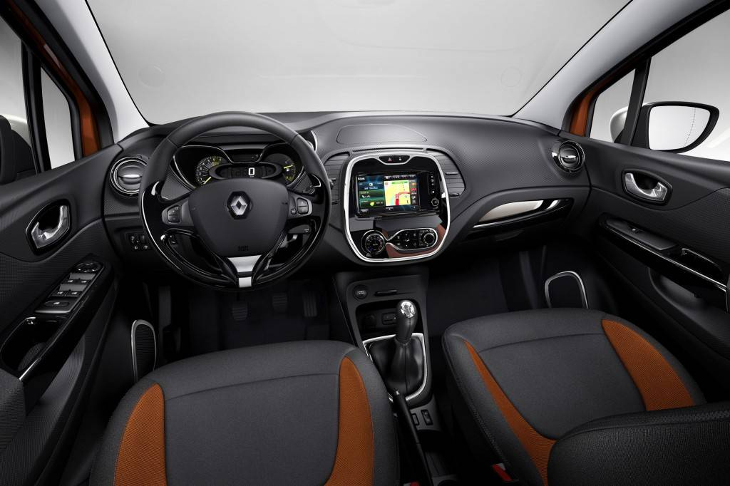 Renault-Captur-Urban-Compact-Crossover-photo-03