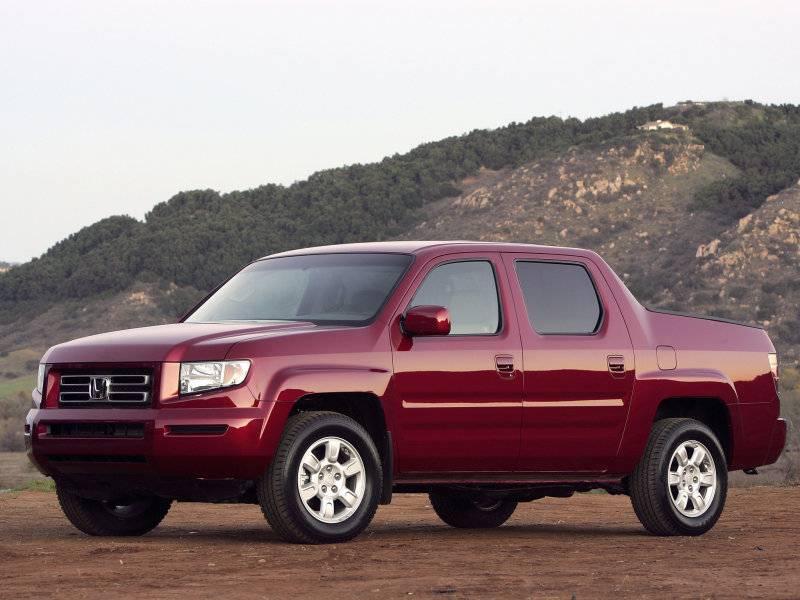 В базовой комплектации авто переднеприводное с автоматической коробкой передач, но опционально доступны экземпляры с полным приводом.