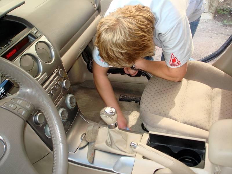 Как отмыть салон авто