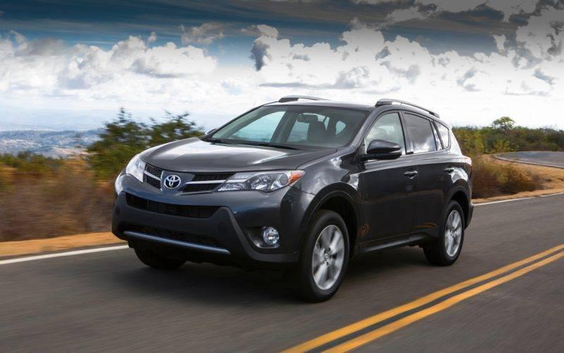 Toyota+Rav+4+crossover+isometric