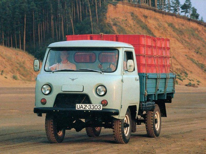 UAZ_3303_Gruzovik bort_1985