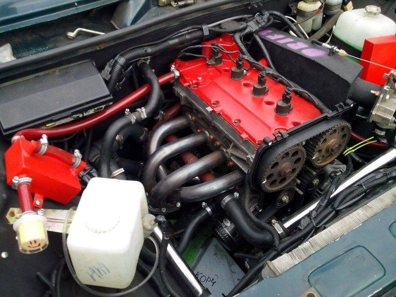 Чем больше клапанов установлено, тем мощнее работает двигатель автомобиля и увеличивается расход потребляемого топлива.