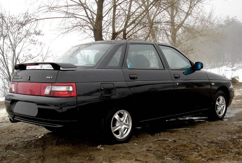 Проблема проваливания педали тормоза часто встречается на отечественных автомобилях, в частности у 10-го семейства ВАЗ.