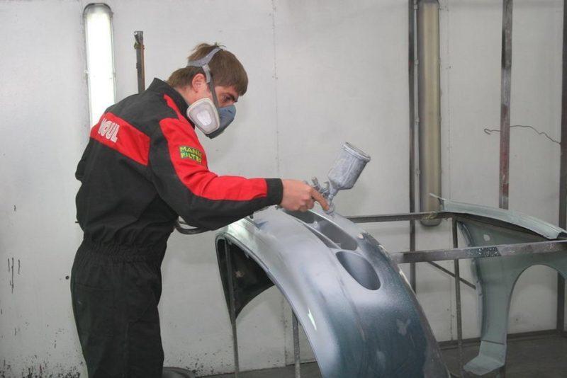 В плане покраски бампера большую роль имеет подготовка инструмента и материалов.