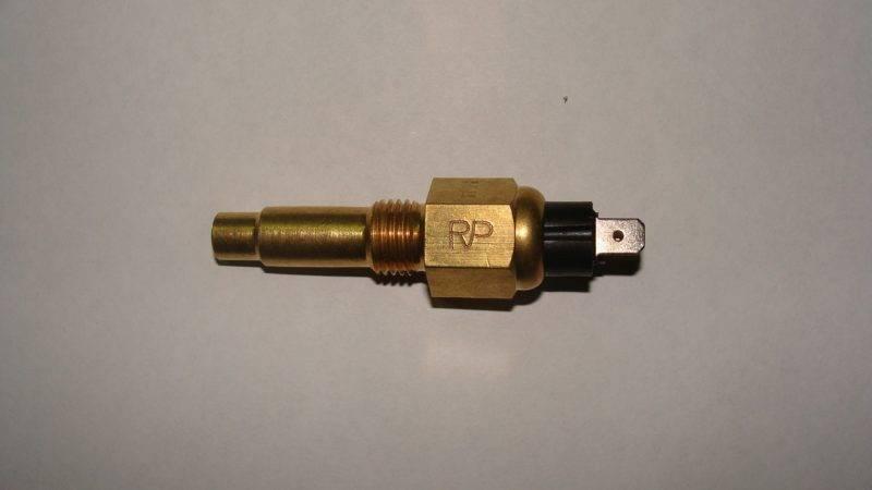 Датчик температуры охлаждающей жидкости - также возможный источник недостаточного прогрева двигателя.