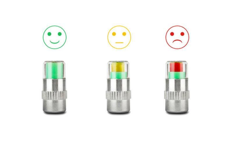 Изменение степени накачки колес в зависимости от типа установленного индикатора либо изменяет цвет встроенного колпачка, либо передают электронный сигнал на монитор системы слежения при использовании радиодатчиков.