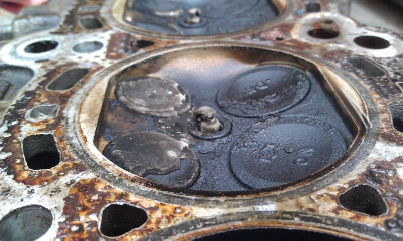 Также причиной залегания поршневых колец могут служить кратковременные поездки, когда двигатель не успевает прогреться.