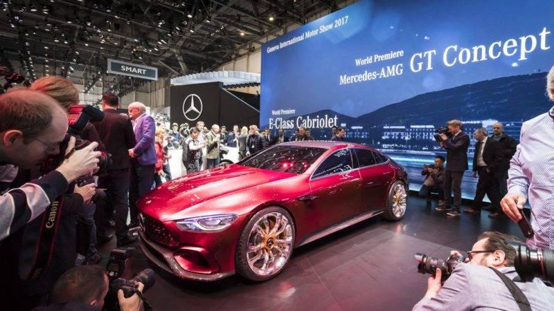 Женевский автосалон является единственным автосалоном в Европе А-класса, который проходит каждый год. Там традиционно презентуются новинки от наиболее известных автомобильных брендов.
