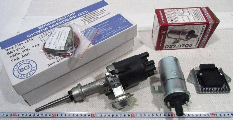Стоимость комплекта на ВАЗ 2106 составляет около 2500 рублей. Приблизительно в такую сумму обходится установка системы на СТО. Также необходимо менять свечи зажигания.