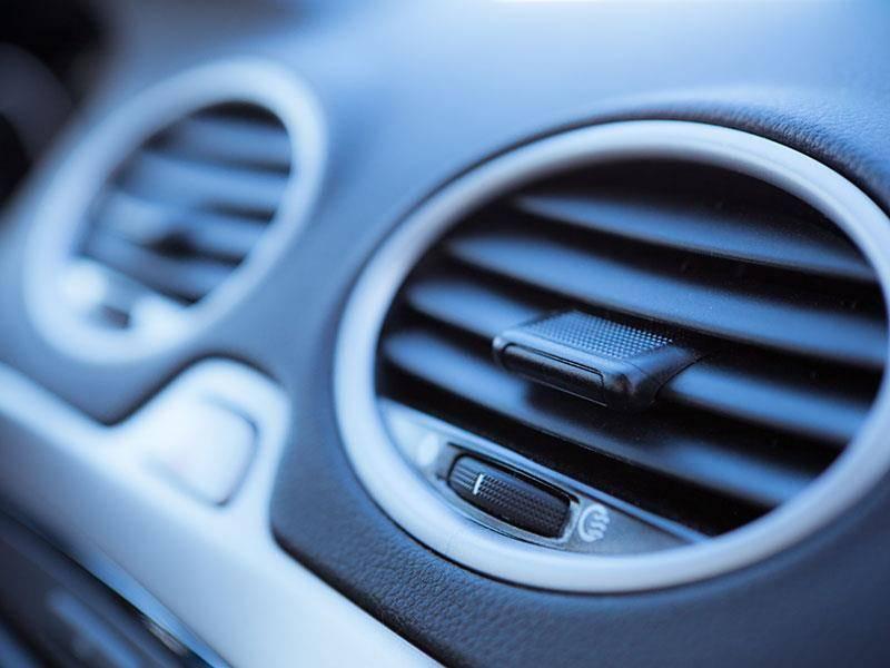 Многочисленные проблемы, возникающие с автомобильным кондиционером можно вполне предупредить, если регулярно выполнять профилактические манипуляции.