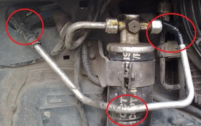 Шланги и трубки, являются наиболее дешевыми и наиболее проблемными в вопросе обслуживания автомобильного кондиционера.