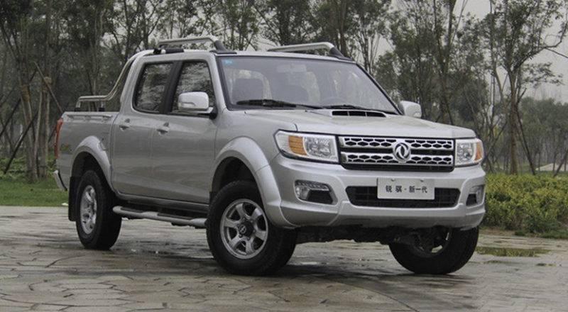 Именно Dong Feng Rich 2 (тоже далеко не оригинальный автомобиль) стал донором для пикапа от Пежо.