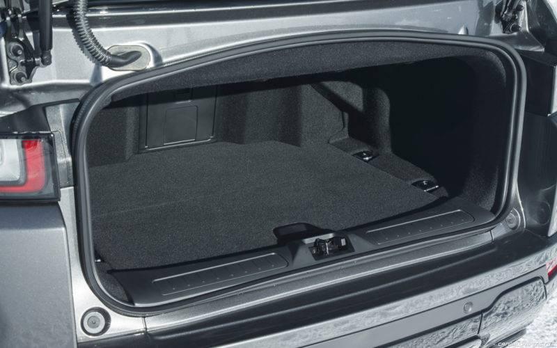 Багажник характеризуется практичностью и вместительностью. В нем удобно размещать необходимые вещи и снаряжения для длительных путешествий.