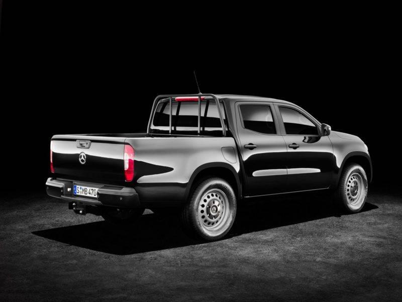 Кузов Mercedes-Benz X-Class выполнен из высокопрочной стали.
