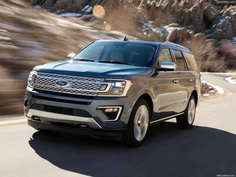 Автомобиль весит свыше двух с половиной тон, это более чем на 100 кг больше, чем весил предшественник.