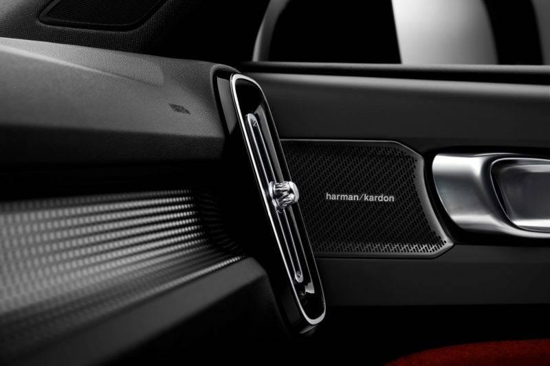 По традиции, для автомобилей шведского бренда используются только самые качественные отделочные материалы, все выполнено на самом высоком уровне, как и полагается автомобилям премиального сегмента.