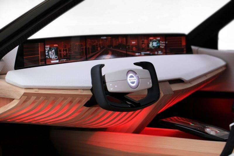 Консоль, кстати, является еще и воплощением одной из самых интересных особенностей авто.
