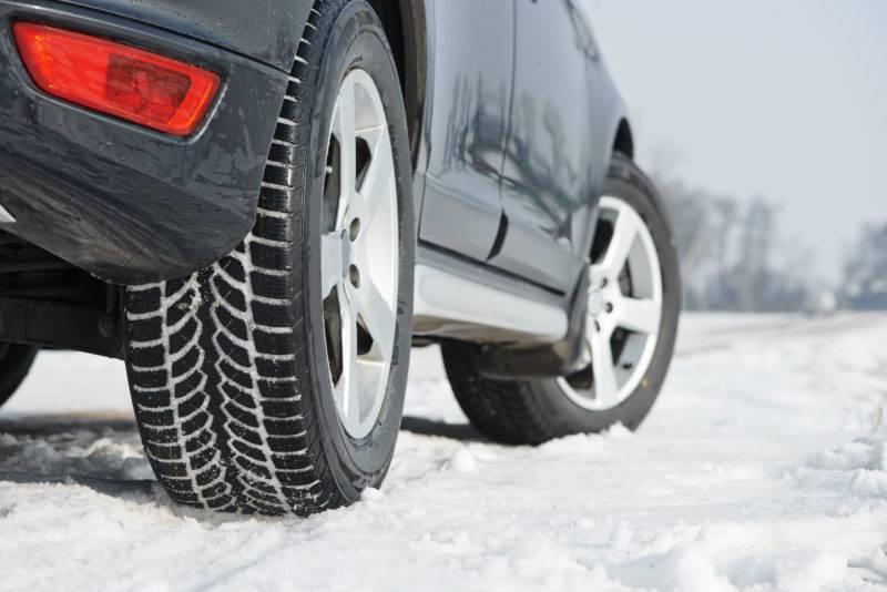 Летняя резина ни по качествам, ни даже по составу не может соперничать с зимними покрышками в холодное время года.