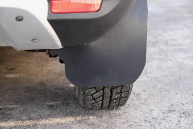 Несмотря на важность этих деталей, многие автолюбители обращают на них внимание только после дорожных происшествий, связанных с повреждением собственной или сзади идущей машины.