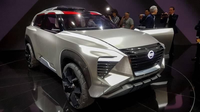 Футуристичность дизайна Nissan Xmotion практически никого не оставляет равнодушным.
