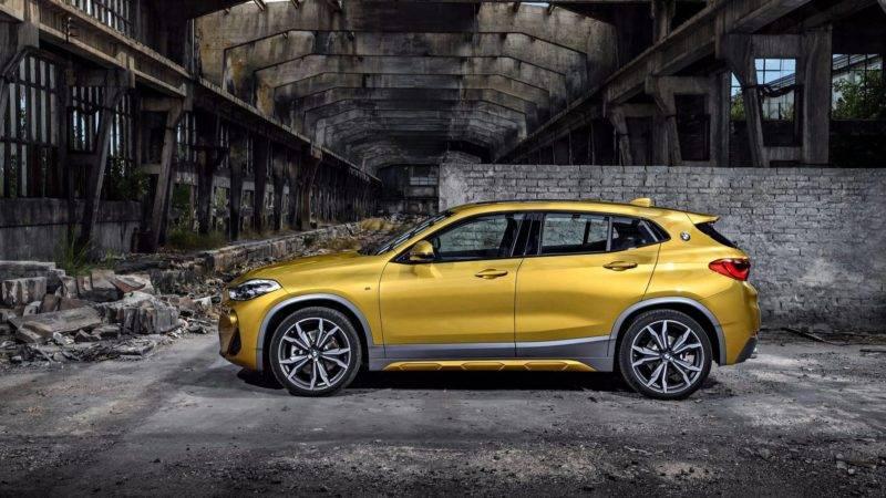 Счет первым счастливчикам, опробовавшим новинку,был открыт на родине BMW X2 — в немецкой Баварии.