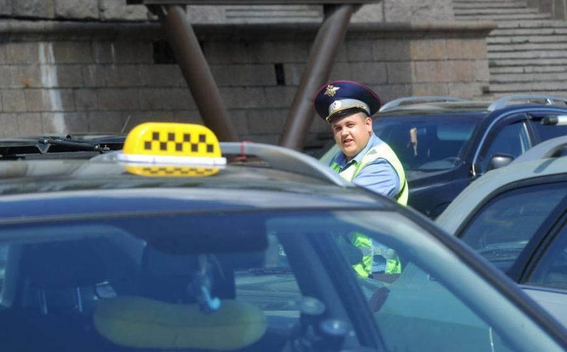 Обычный штраф при отсутствии лицензий на право заниматься «таксованием» составляет 5 тысяч рублей.