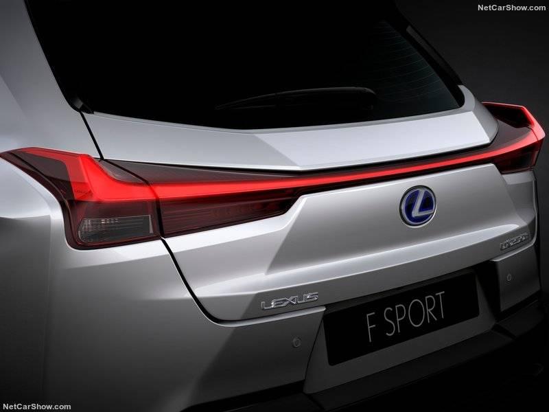 Задние фонари с аэродинамическими стабилизирующими плоскостями – ASBL – должны предотвращать образование завихрений позади автомобиля. Также они играют существенную роль на поворотах и при сильном боковом ветре.