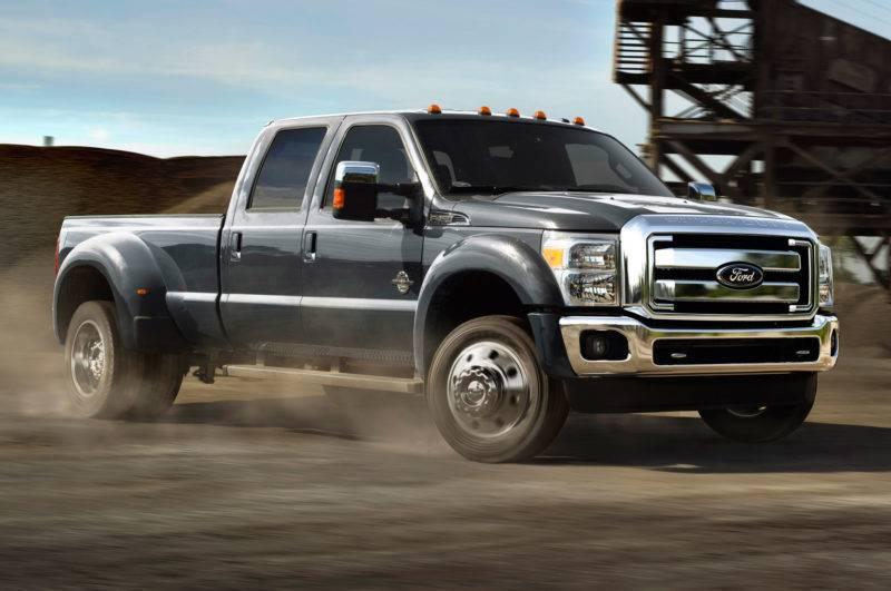 Такой выбор объясняется тем, что за основу взят пикап Ford F-Series Super Duty. От него же - система полного привода, а также многие другие узлы.