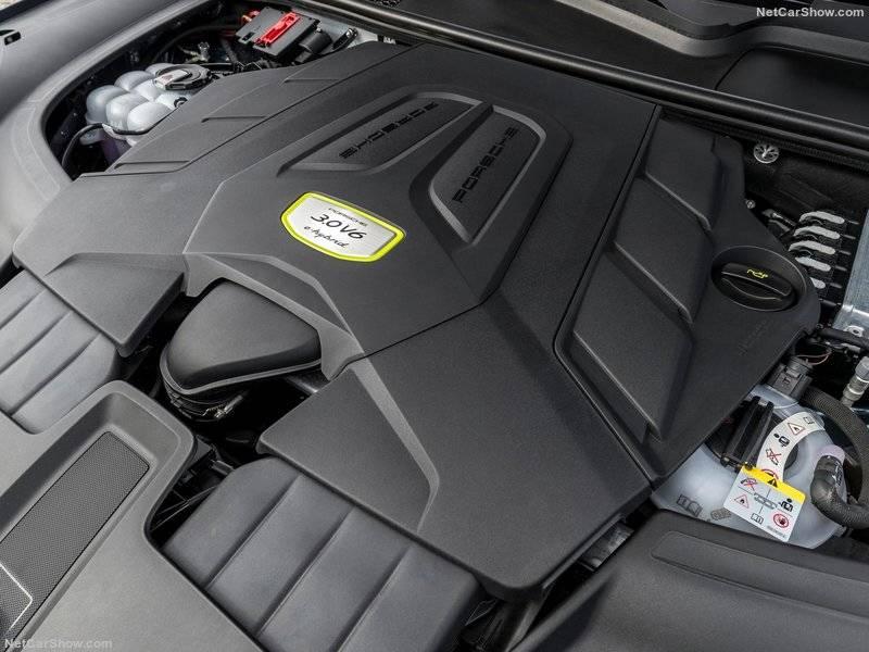 Электродвигатель трудится вместе с углеводородной «шестеркой» с момента начала движения и не отдыхает даже в самых экстремальных ситуациях.
