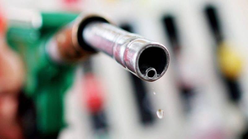 При определении значения ОЧ применяется шкала, позволяющая сравнить исследуемый образец бензина и стандартную смесь.