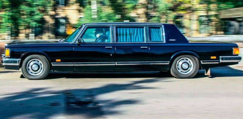 ЗИЛ-41052 - практически последний из отечественных лимузинов, который, впрочем, тоже ненадолго прижился.