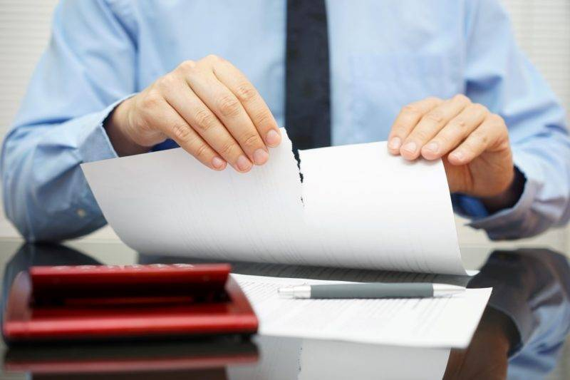 Перед тем, как инициировать расторжение договора КАСКО, требуется ознакомиться с некоторыми особенностями.