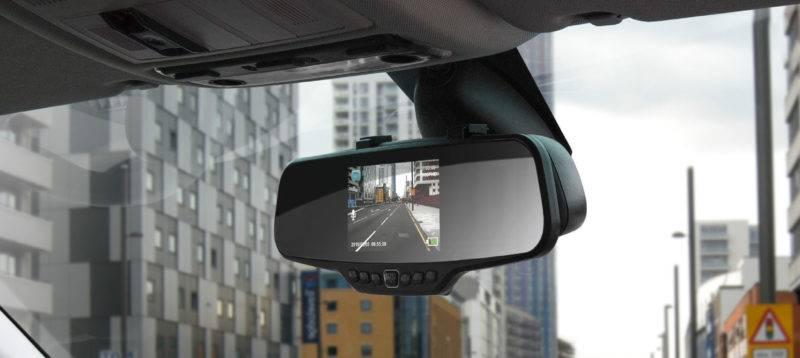 Еще одним преимуществом считается наличие OBD II модуля, который выводит на экран важные сведения о состоянии транспортного средства.