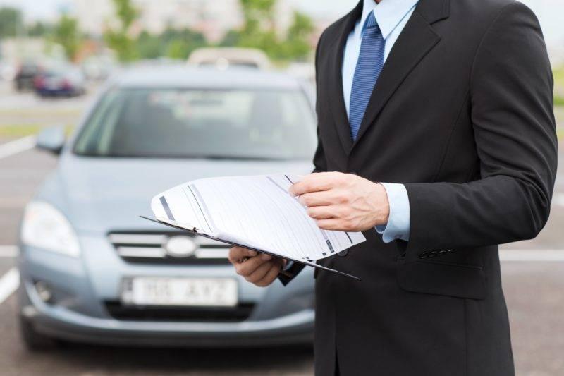 Когда заявление написано и пакет документов собран, автовладельцу требуется представить все эти бумаги в страховую компанию.