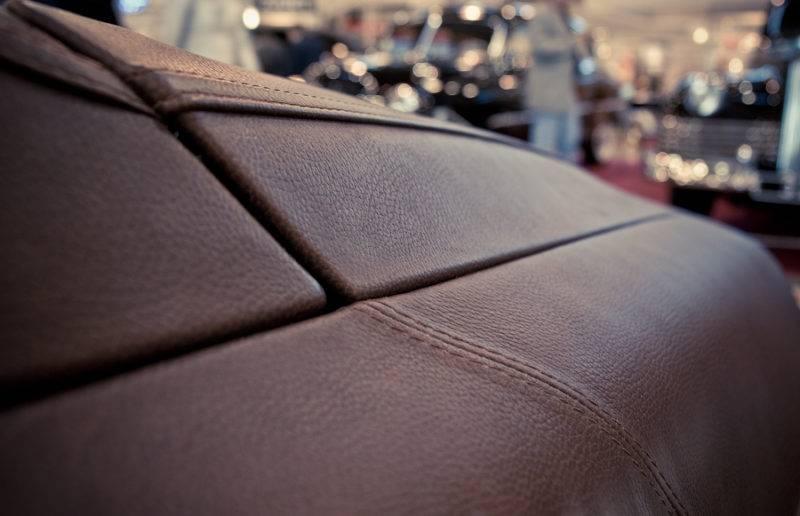 При правильном уходе автомобильная кожа будет долго радовать вас своими качествами.