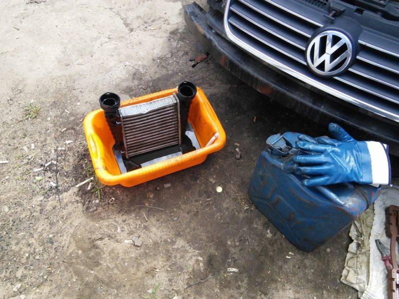 Большинство автолюбителей проводят чистку этого модуля самостоятельно.