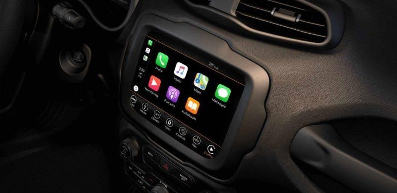 Система мультимедиа для нескучных поездок также на высоте: в зависимости от комплектации, 5 или 6,5 дюймовый сенсорный дисплей UConnect, Bluetooth и навигатор выручат и порадуют владельца в любой ситуации.