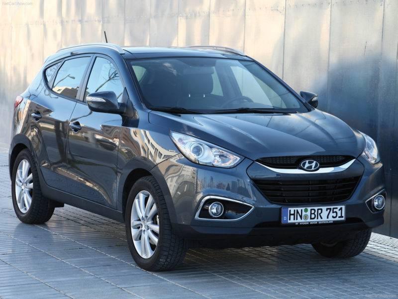 Hyundai ix35 - это спортивный внешний вид, хорошая комплектация даже в базовой версии.