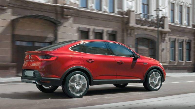 Внешний вид автомобиля уникальный, но все же напоминает известные модели данного бренда.